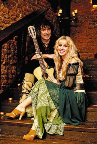 "Video: Blackmore's Night performing ""The Circle"" in New York"