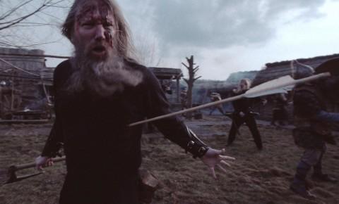 """Amon Amarth стали участниками побоища в новом клипе """"At Dawn's First Light"""""""