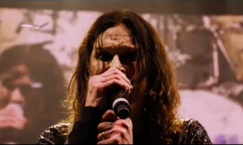 "Black Sabbath video ""Paranoid"" from final show"