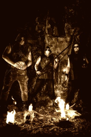 "Exclusive: Crimson Moon ""Mors Vincit Omnia"" full album stream"