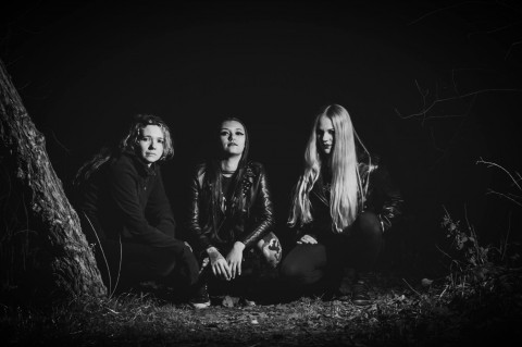 """Agony"" album preview by female thrash metal band Nervosa"