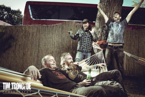 "Red Fang unveil first track ""Flies"" from upcoming album"